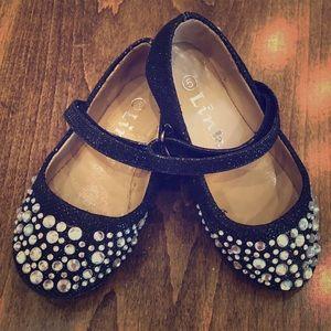 💥5/$25 Size 5 gorgeous blk glitter shoes w/ Rhine